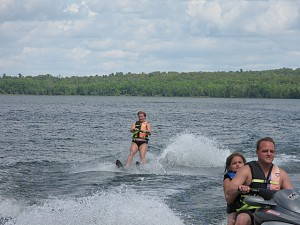 Waterskiing 2